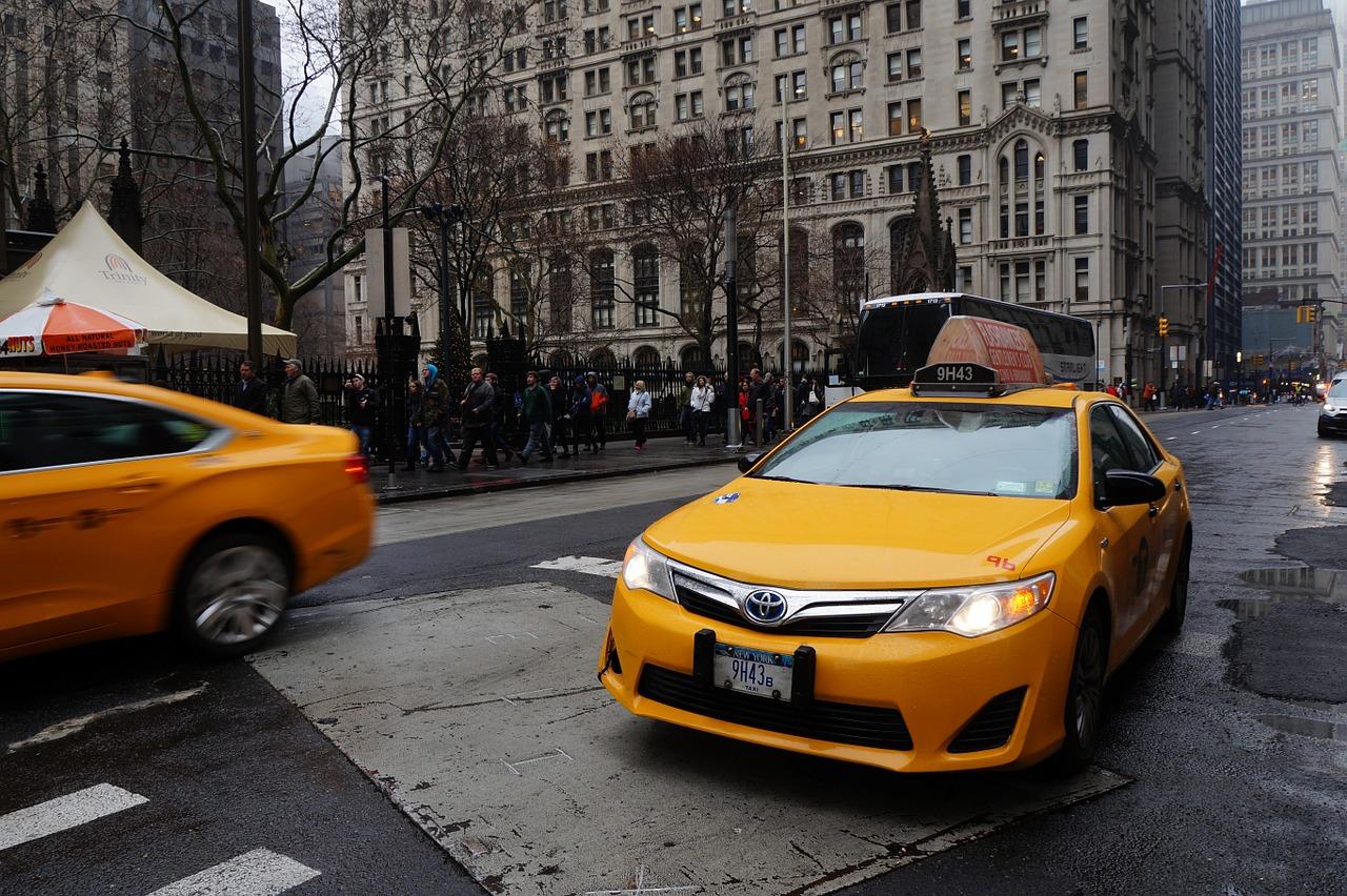 taxi-644967_1280