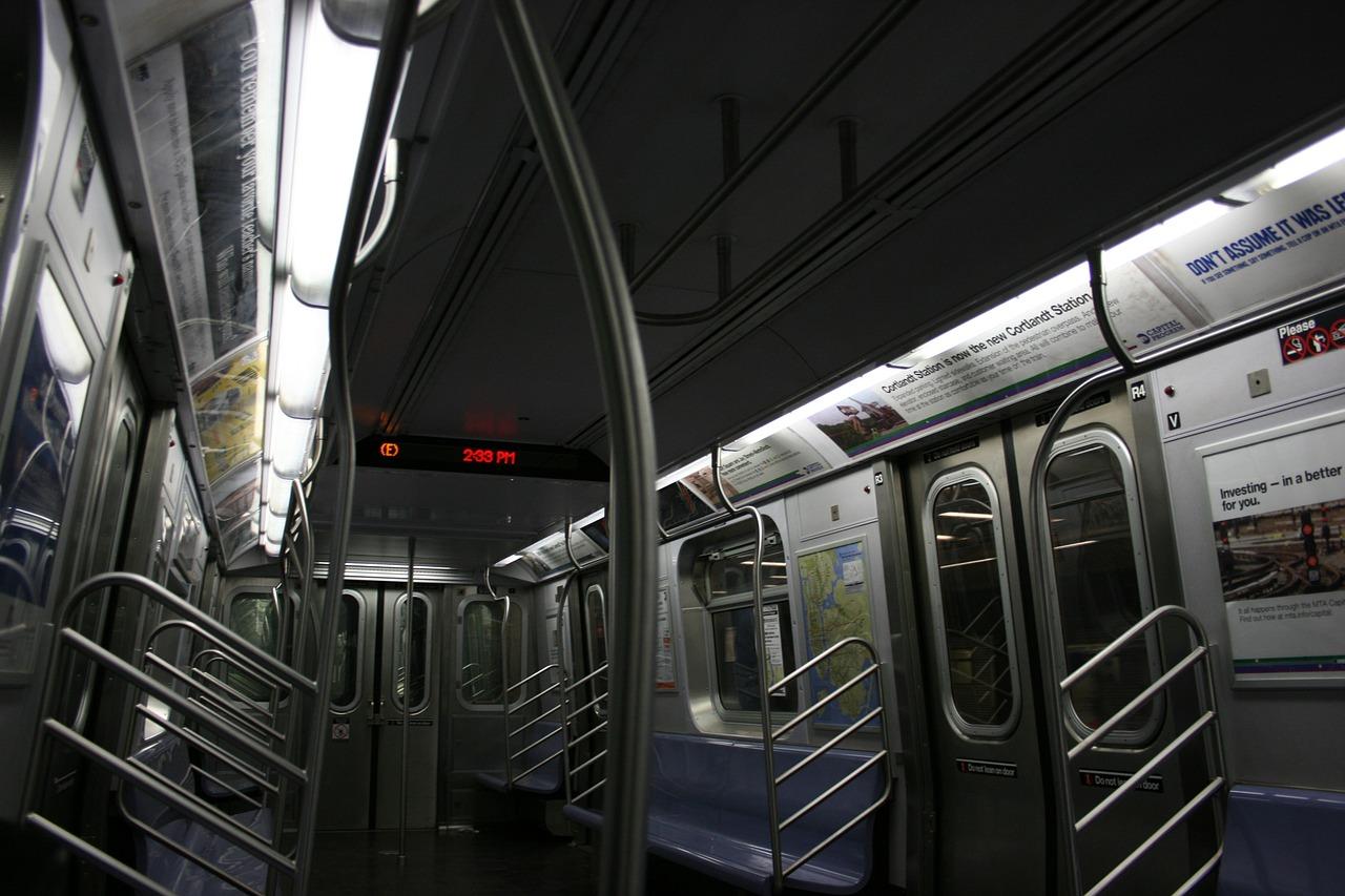 metro-657800_1280